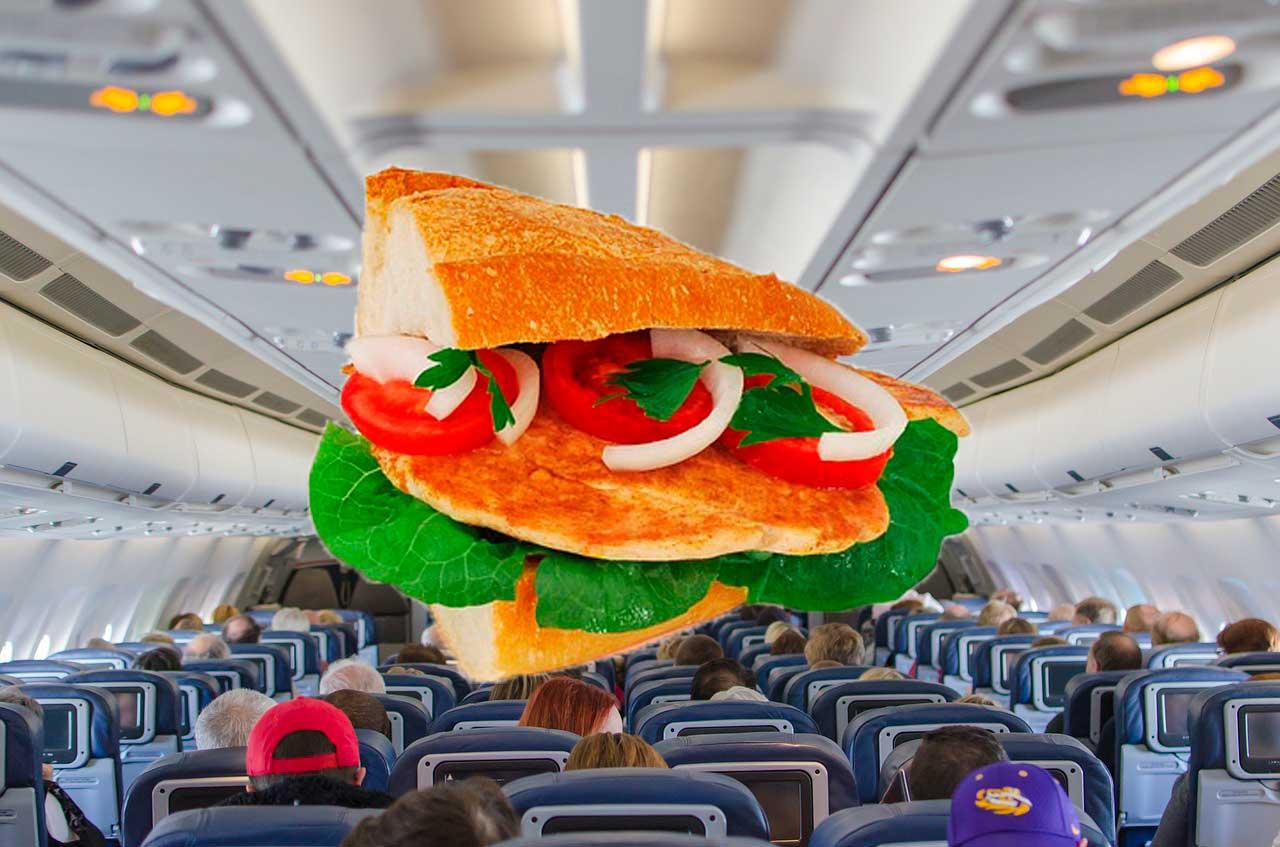 Названі продукти, які краще не їсти на борту літака