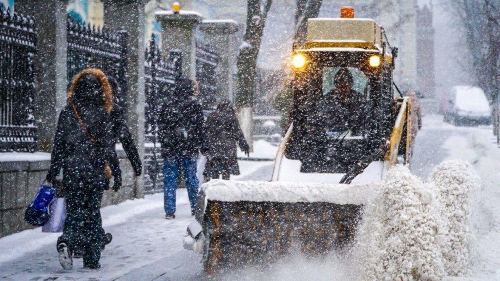 Непогода в Украине: за сутки произошло более тысячи ДТП, 13 погибших
