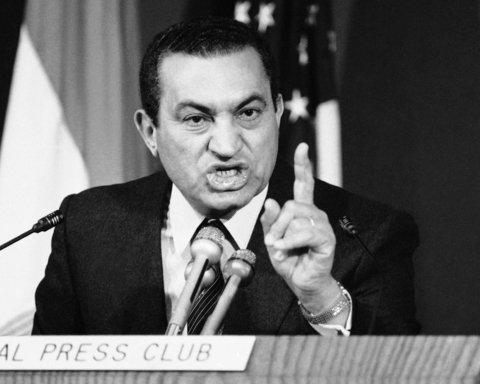 """Помер """"кривавий"""" екс-президент Єгипту Хосні Мубарак: що про нього відомо"""