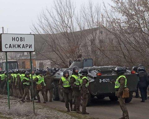 Аваков намекнул, кто стоит за бунтом в Новых Санжарах