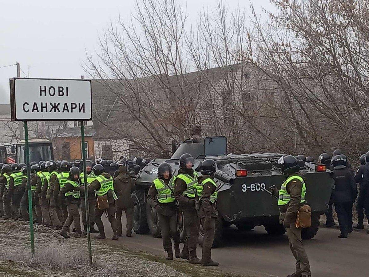 Вспоминая теплый прием соотечественников, украинцы отказались эвакуироваться на родину с