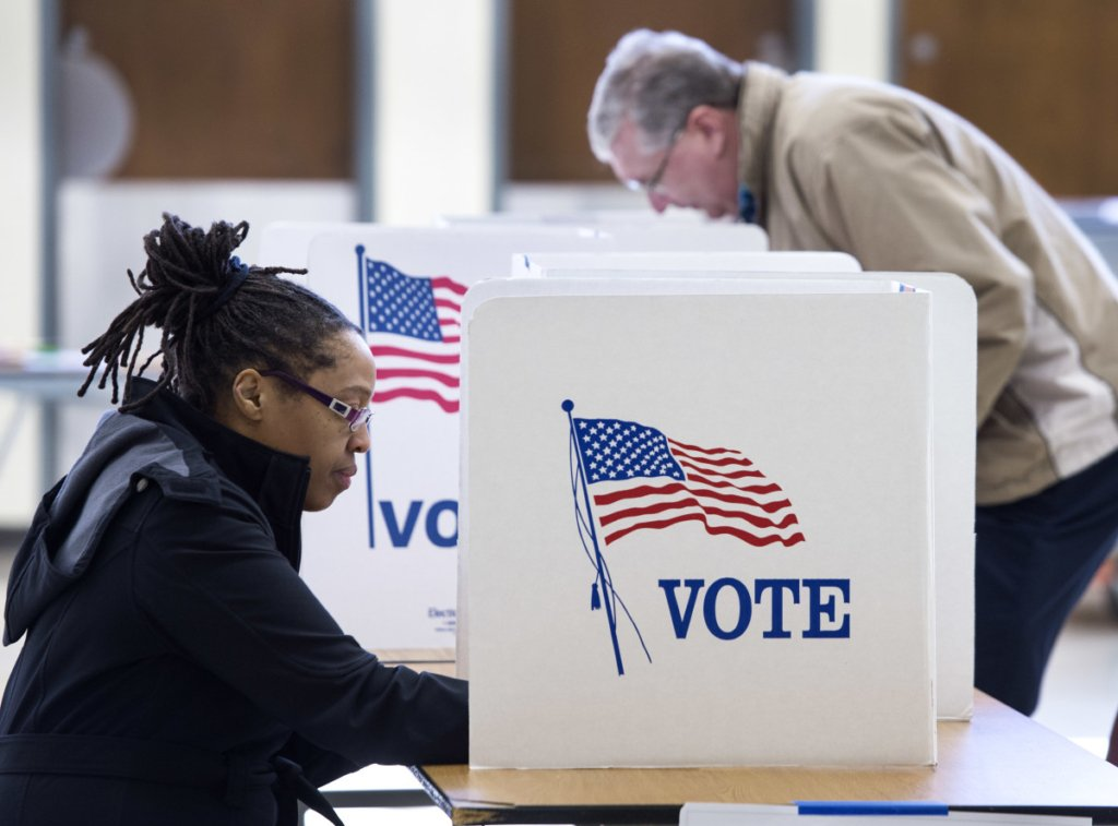 Супервівторок у США: завтра визначиться конкурент Трампа на виборах
