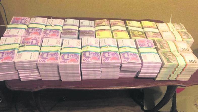 Фальшиві гроші в Україні: як аферисти дурять українців