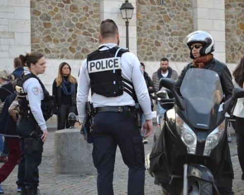 У Франції озброєний чоловік захопив у заручники жінку і п'ятеро дітей