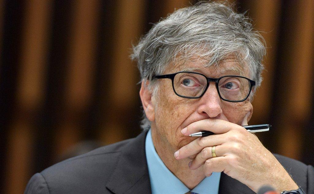 Білл Гейтс озвучив дату появи ліків від COVID-19