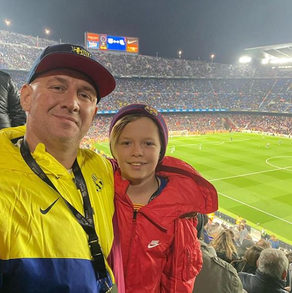 Потап показал фото с сыном на отдыхе в Испании