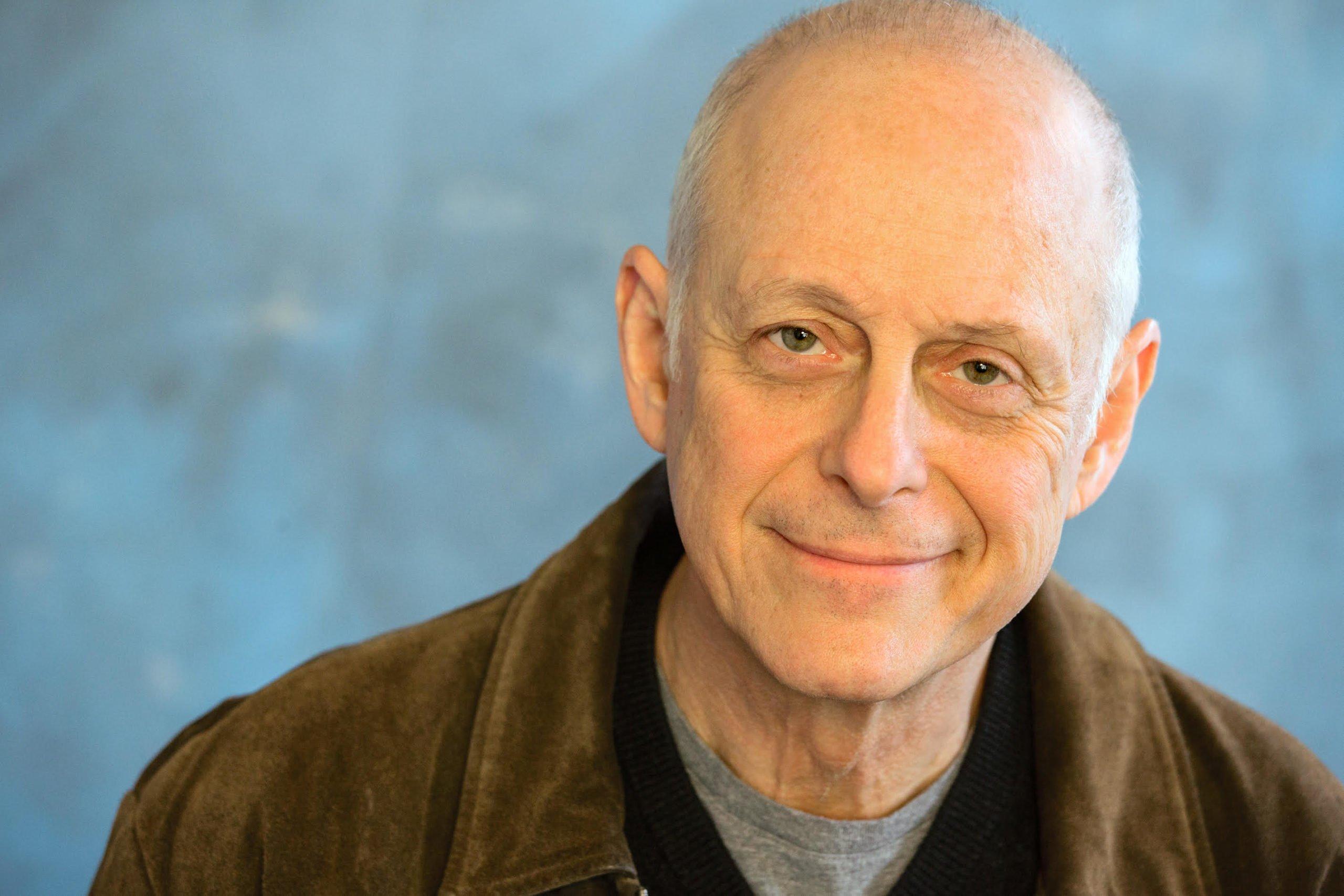 Известный американский актер умер от коронавируса