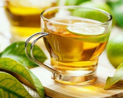 Медики назвали лучший напиток для похудения