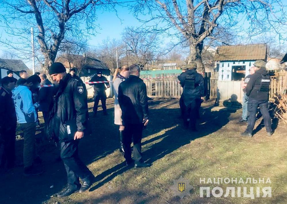 Зарезал жену и задушил маленькую дочь: в Черновицкой области произошло страшное убийство