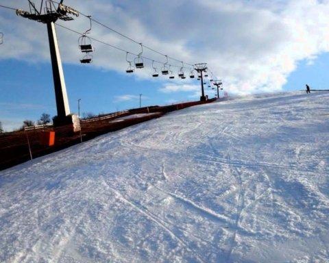 У Карпатах трагічно загинув сноубордист з Києва