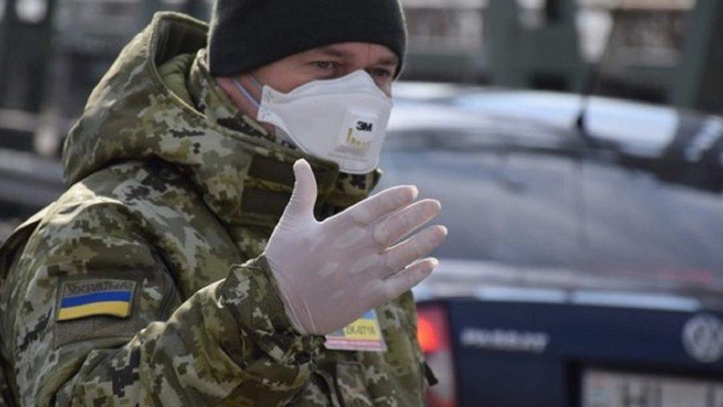 Украинцам запретят покидать пределы страны для путешествий: подробности
