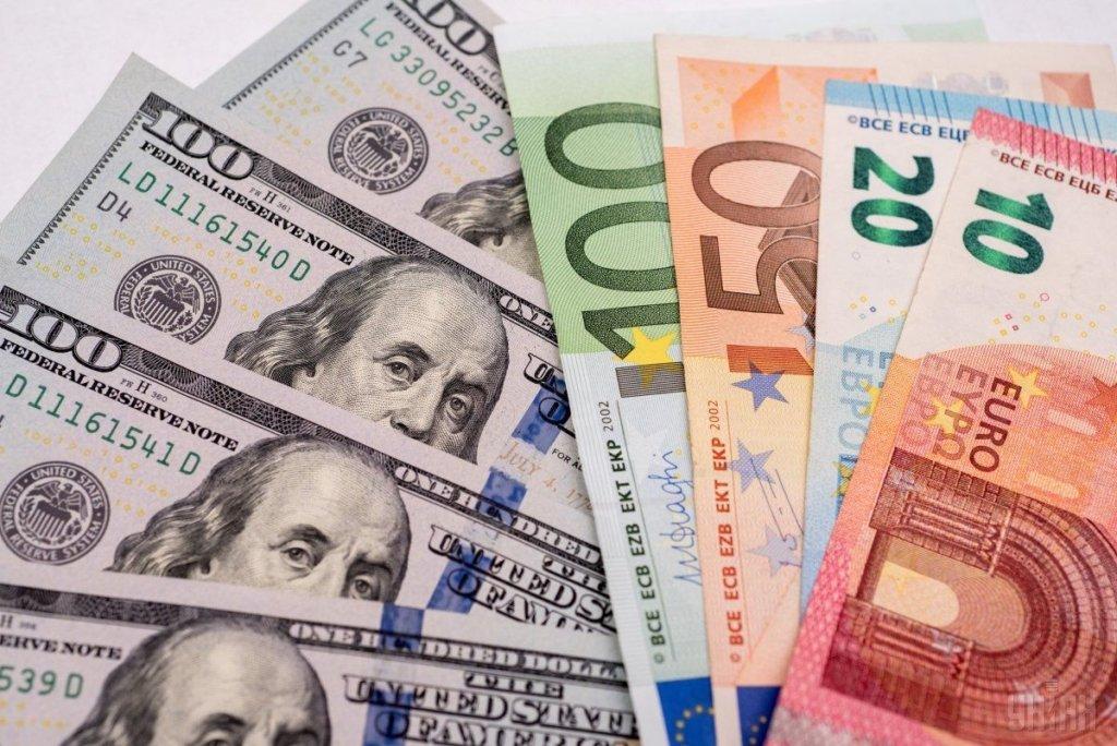 Гривна будет падать: эксперты озвучили прогноз курса доллара
