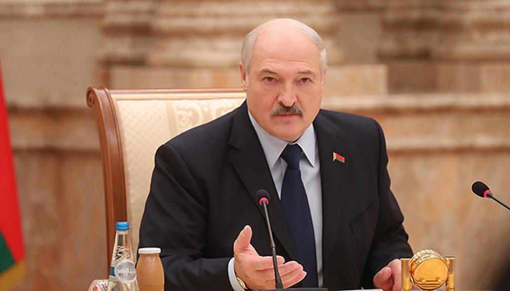 Лукашенко назвав епідемію коронавірусу психозом