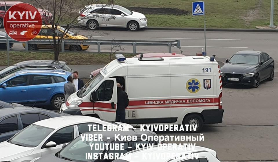 Врач оставил умирать мужчину прямо на дороге: все подробности ЧП в Киеве