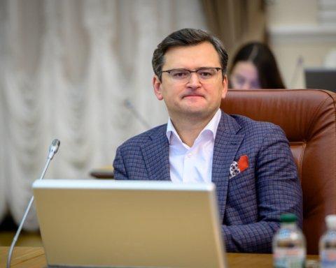 Закриття кордонів в Україні: що робити українцям, які не встигають повернутися