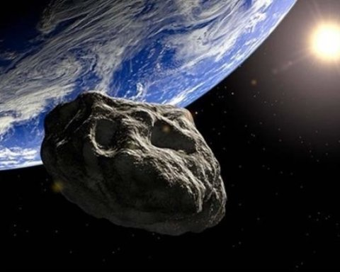 К Земле летит большой астероид: ученые бьют тревогу