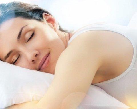 Дієтолог пояснив, як схуднути під час сну