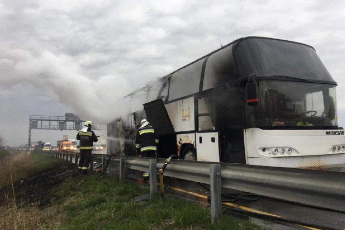 В Угорщині спалахнув автобус з українськими заробітчанами