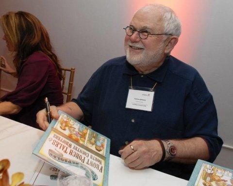 Известный писатель и иллюстратор умер в полном одиночестве из-за коронавируса