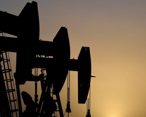 Мировые цены на нефть продолжают падать: подробности