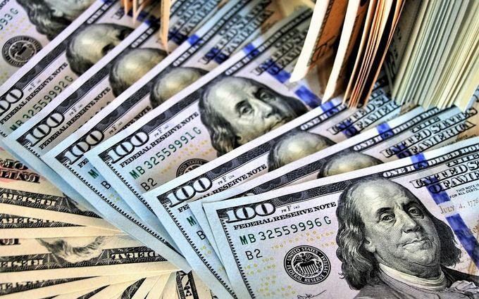 Курс доллара в Украине достигнет психологической отметки: аналитик дал прогноз на апрель