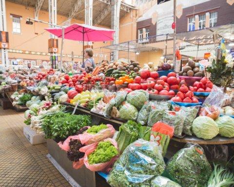 Карантин в Украине: Кабмин предложил открыть рынки