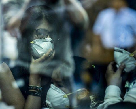 МИД сообщил о 5 больных коронавирусом украинцах заграницей