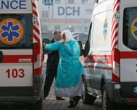 Коронавирус ускоряется: за сутки в Украине почти полтысячи новых случаев