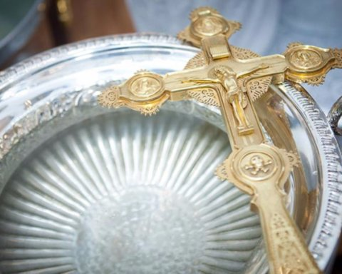 В Бердянске священнослужители УПЦ Московского патриархата присоединились к борьбе с Covid-19