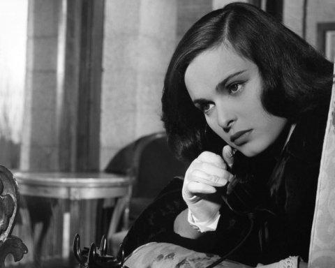 Від коронавірусу померла відома актриса, яка знімалася у Фелліні