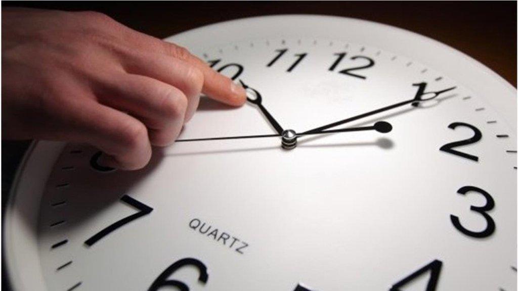 Переход на летнее время: когда переводить часы в Украине