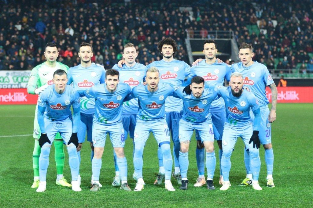 Украинские футболисты поддержали турецкую армию в борьбе с Россией