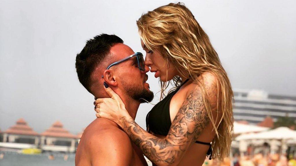Український футболіст і його красуня-дружина здивували новим іміджем