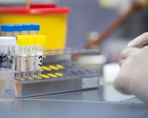 В Украине появились первая партия экспресс-тестов на коронавирус