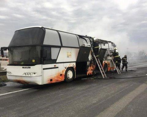 В Венгрии вспыхнул автобус с украинскими заробитчанами