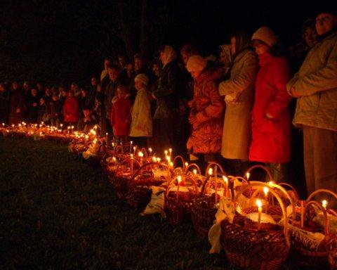 Пасха 2020: западная Украина массово собралась в церковь на богослужение