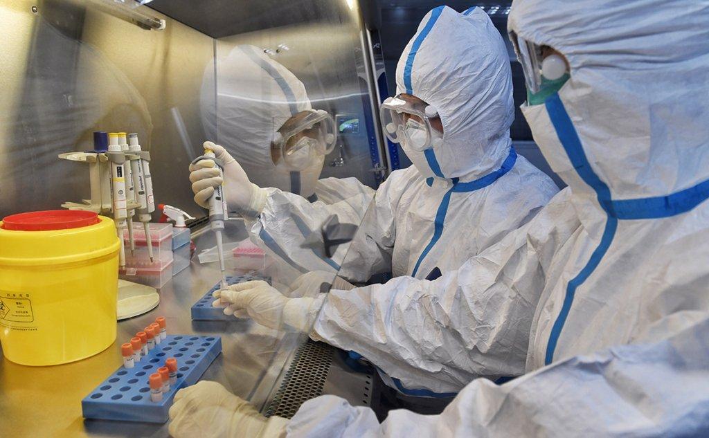 В Україні новий антирекорд добової захворюваності та смертності від COVID-19
