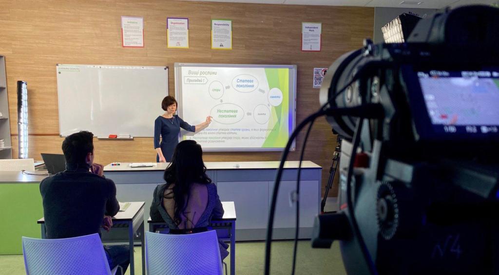 Шкарлет рассказал, вернут ли дистанционное обучение в школах