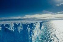Над Арктикою вперше утворилася величезна озонова діра: що загрожує людям