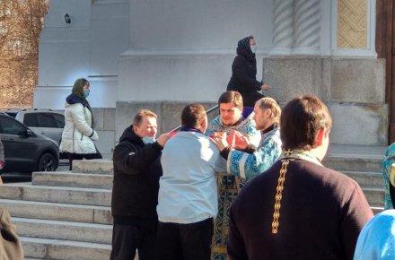 Працюють ринки та церкви: у Житомирі зафіксували кричуще порушення карантину