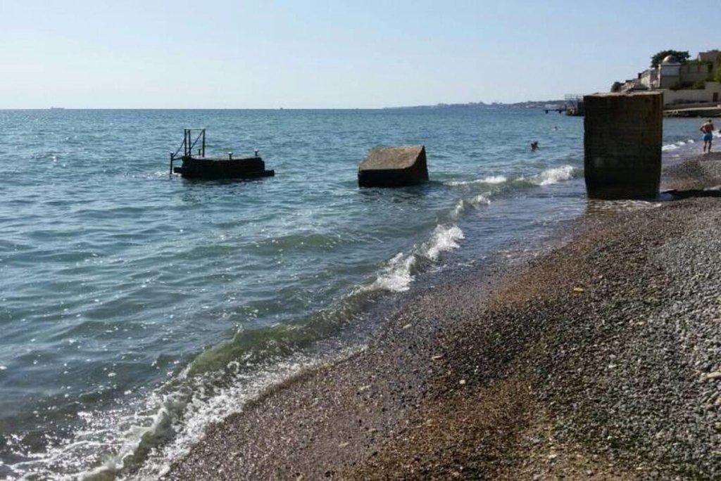Бросилась в море: школьная учительница покончила с собой на Одесщине