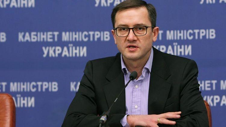 """""""Повторне подання на звільнення С. Верланова та М. Нефьодова я зробив 28 березня. Але з огляду на моє звільнення вони втратили юридичну силу. Тепер слово за діючим Міністром фінансів"""" – екс-міністр Уманський"""