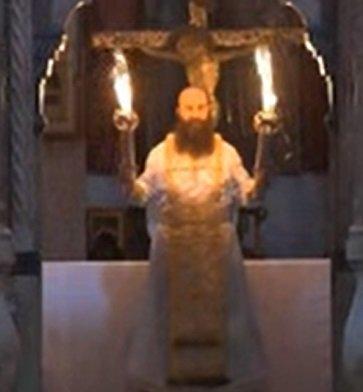 В Єрусалимі зійшов Благодатний вогонь: фото і відео з Храму Гробу Господнього