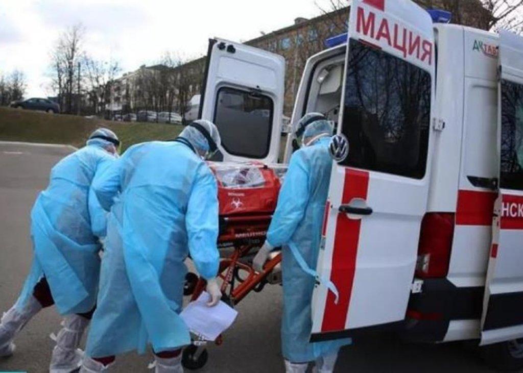 Коронавірус вдарив по Білорусі: забиті реанімації та проблеми з тестами