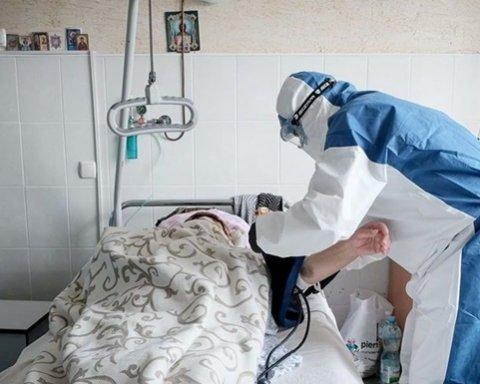 Помруть від інсульту: названо головну небезпеку коронавірусу для молодих
