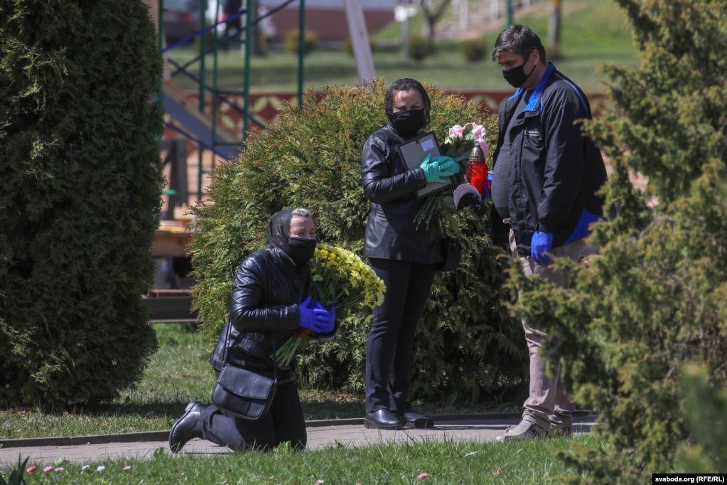 Коронавирус в Беларуси: количество смертей стремительно растет