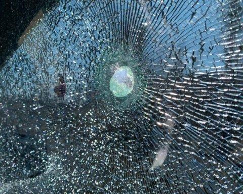 Бойовики розстріляли авто з українськими журналістами: перші подробиці
