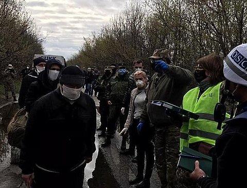 Закончился первый этап обмена пленными с «ДНР»: как это было