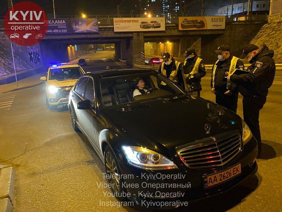 В Киеве топ-чиновник КГГА устроил драку с полицейскими