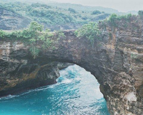 Подозревают коронавирус: на Бали нашли мертвыми двух украинских туристов